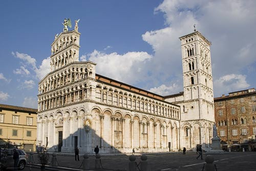lucca-tuscany