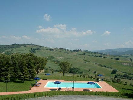 Toscana vacanze animali divina toscana - Agriturismo san gimignano con piscina ...