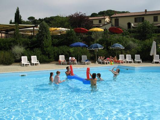 Offerte maggio giugno 2011 in toscana agriturismi per bambini a prezzi scontati divina - Agriturismo piscina interna riscaldata ...